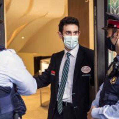 Los Mossos de Barcelona echan mano de los vigilantes privados